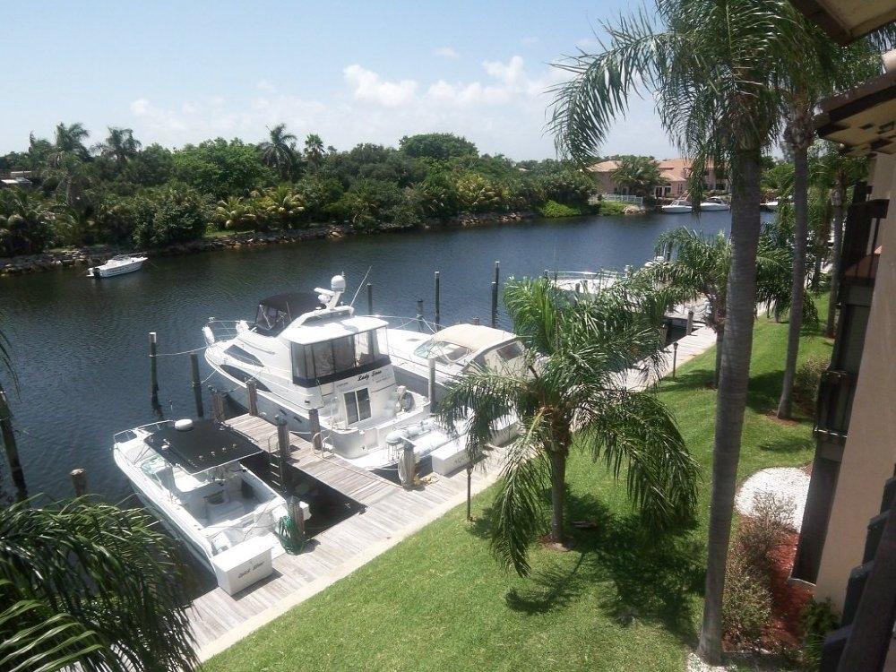 PELICAN HARBOR 270 CAPTAINS WALK DELRAY BEACH FLORIDA 33483